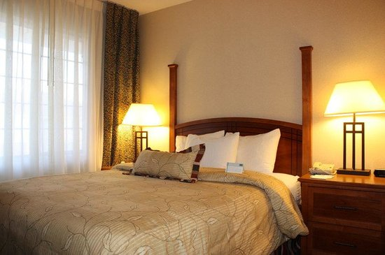 Staybridge Suites Grand Rapids/Kentwood: New Bedding: Pillows, Sheets, Duvets, and Bed Skirts
