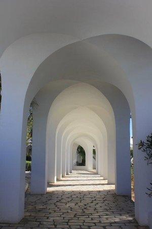 The Sindbad: Detalles de pasillos exteriores