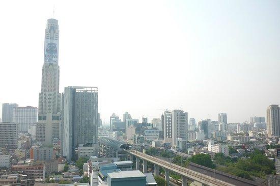Eastin Hotel Makkasan: Tallest Building in Bangkok