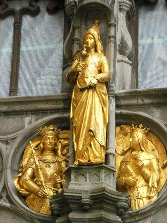 Basilica of the Holy Blood: Heilig Bloed Basiliek