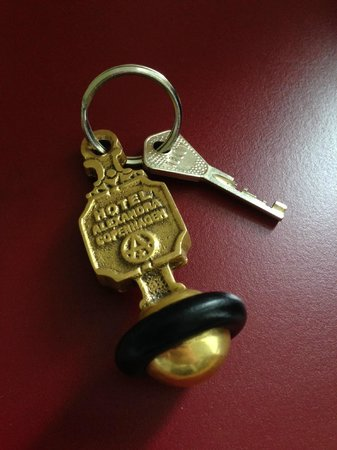 Hotel Alexandra : The keychain is large, so you drop it off when you leave and pick it up when you return.