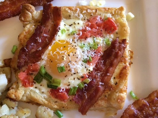 Three Pines View: Breakfast Special