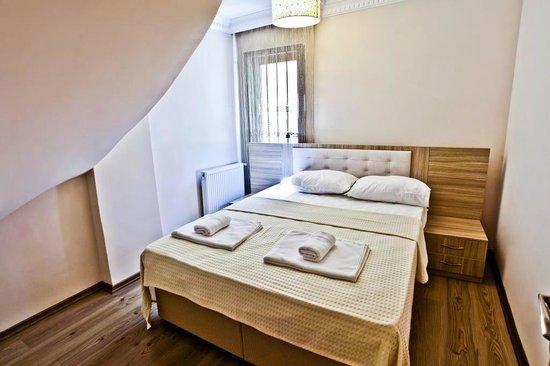 Papillon Suites: Bedroom