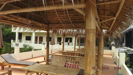 Sabai Mansion: Blick auf die Poolside Zimmer