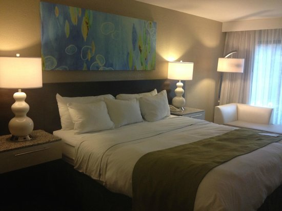 Radisson Resort Orlando-Celebration: king bed