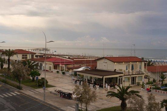 Hotel Lungomare : Balkonblick aufs Meer
