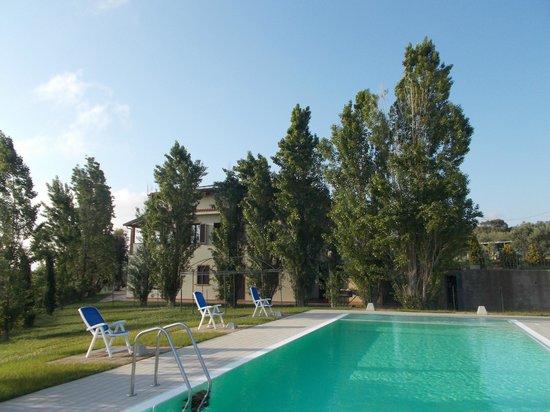 San Gregorio: Struttura dalla piscina