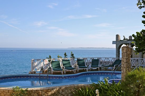 Home Sweet Home Resort: Cliffside pool
