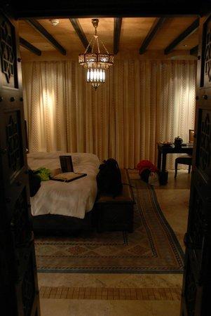 Qasr Al Sarab Desert Resort by Anantara: Garden Room