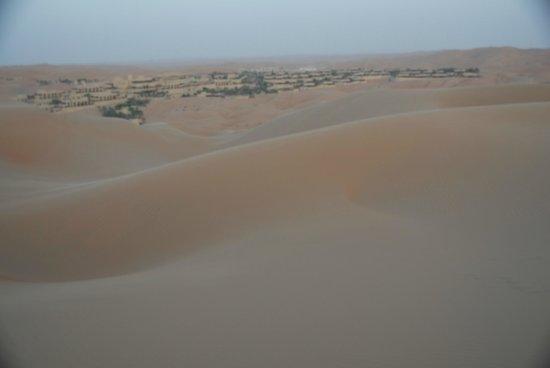Qasr Al Sarab Desert Resort by Anantara: Hotelanlage