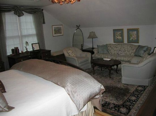 The Hudson River Crest B&B: The Tara Room