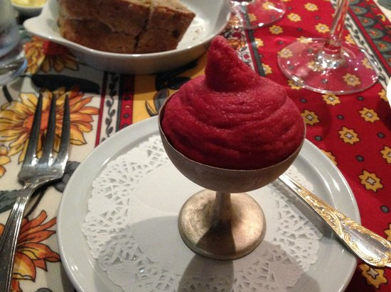 Hotel De Stokerij: Sorbet made from Cherry Beer