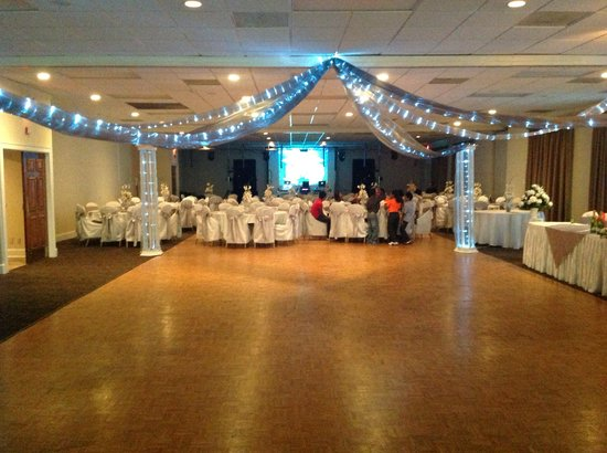 Village Inn Event Center : Quinceanera in the Grand Ballroom