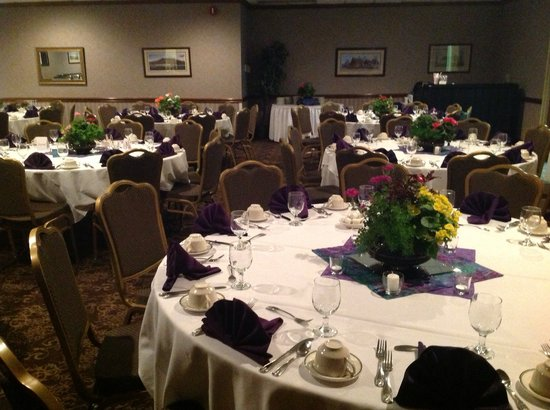 Village Inn Event Center : Rehearsal Dinner in the Ivy Ballroom