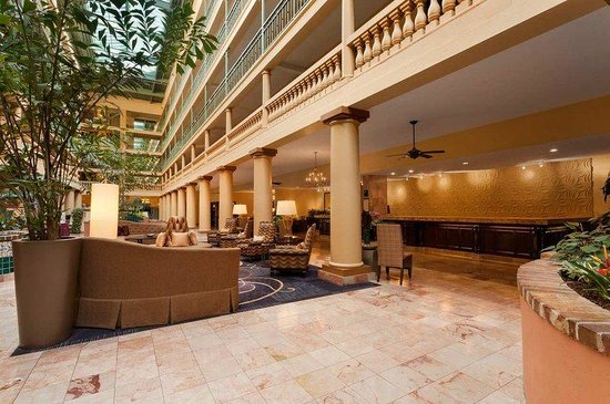 Embassy Suites by Hilton Hotel Los Angeles International Airport South: Front Desk