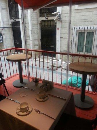 City By Molton Hotels : Colazione sul balcone