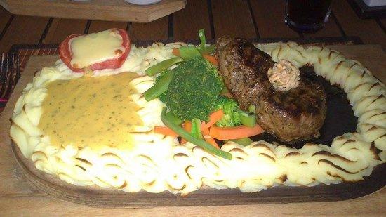 Villa Okan Restaurant : Middag,Plankestek