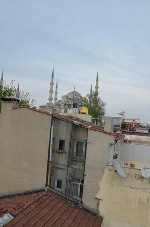 The Sunrise Hotel: Vue sur la mosquée bleu