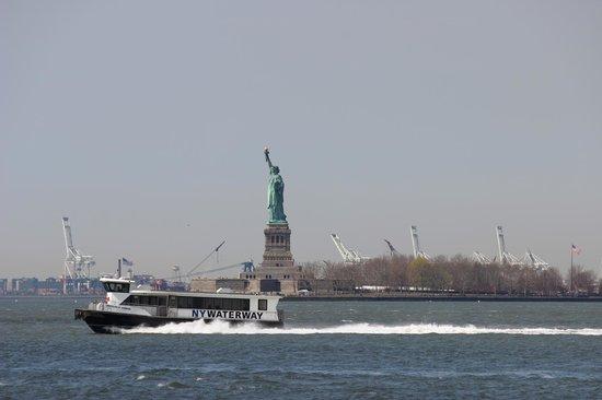 Statue de la liberté : Vista da Manhattan