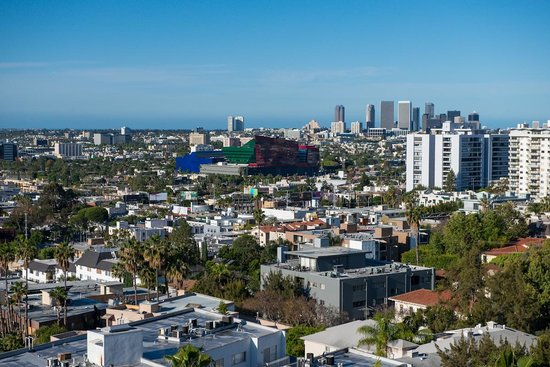 Sunset Tower Hotel : West Hollywood & Beyond