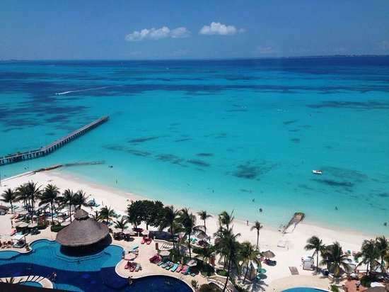 Grand Fiesta Americana Coral Beach Cancun: beach area from room