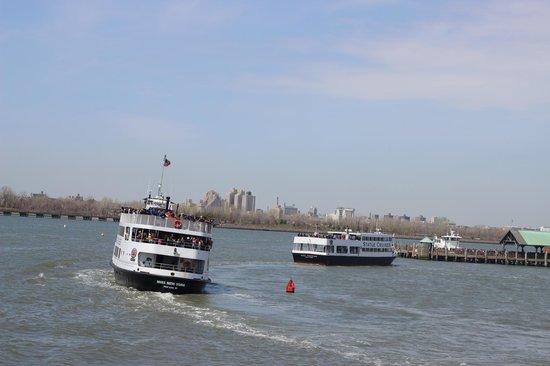 Statue de la liberté : Il ferry - strapieno!