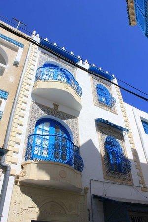 Medina of Hammamet : balconadas azules