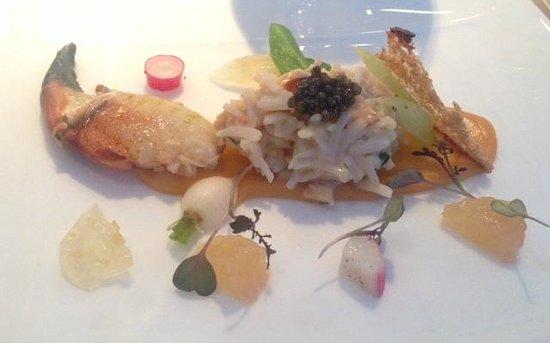 Belmond Le Manoir aux Quat'Saisons: The crab started the feast!