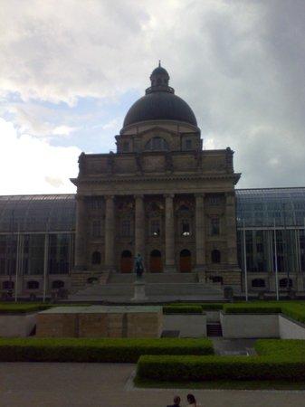 Bayerische Staatskanzlei