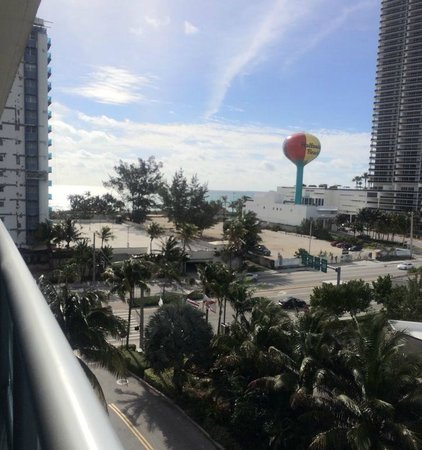 DoubleTree Resort by Hilton Hollywood Beach: Vista da Sacada - Mar