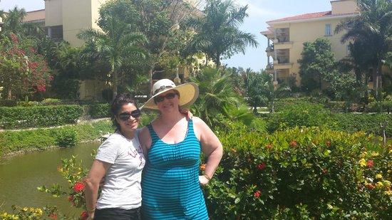 Hotel Marina El Cid Spa & Beach Resort: Reloj Maya Pond