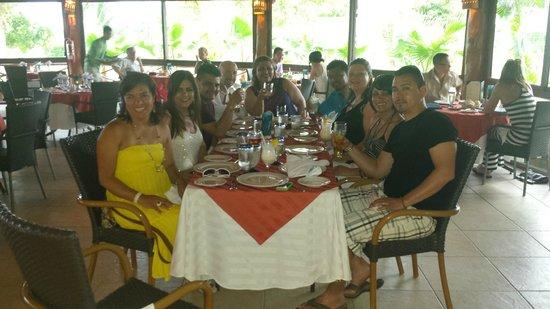 Hotel Marina El Cid Spa & Beach Resort: The gang from Wisconsin at the Marina Restaurant
