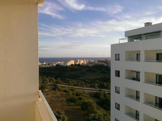 Janelas do Mar Apartments: The beach is thataway