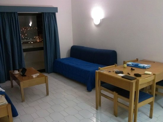Janelas do Mar Apartments: Studio (there is also a second sofa bed to the left)