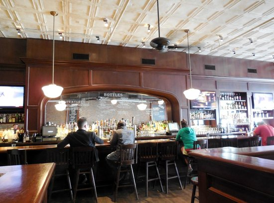 Lincoln Tavern and Restaurant : Bar in The Lincoln Tavern