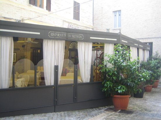 """Restaurant Da Secondo: Esterno del Ristorante: """"Da Secondo""""."""