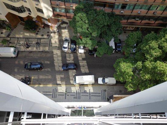 Vilamar Copacabana : vista da rua Bolivar - frente do hotel