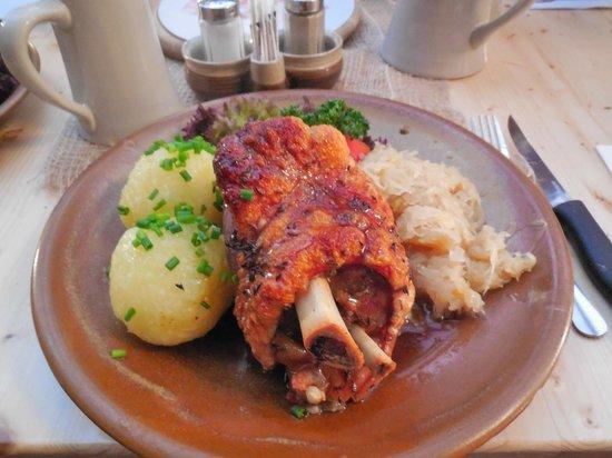 Gasthof Krone : Stinco di maiale con crauti