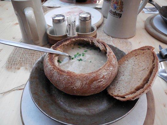 Gasthof Krone : Crema di funghi.