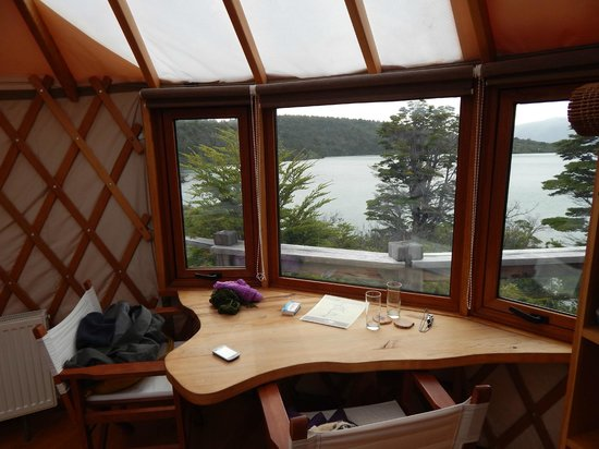 Patagonia Camp: INTERIOR DO YURT
