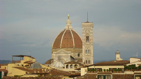 JK Place Firenze : View of Il Duomo from the Penthouse terrace (zoom).