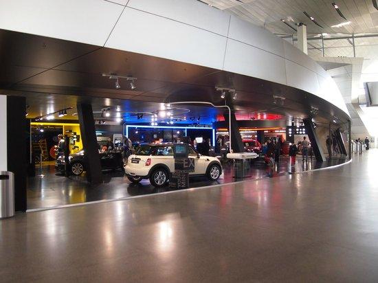BMW Welt: Interior