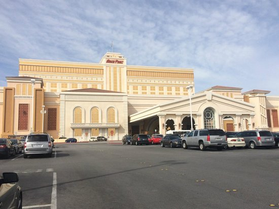 South Point Hotel, Casino and Spa: front of hotel