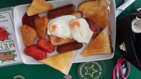 Terrace Bar : Belly buster breakfast,  hash browns instead of beans