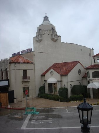 Highland Park Village : Another view of the Village Theater