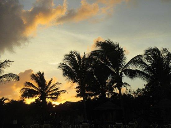 The Verandah Resort & Spa : Unbelievable Sunsets