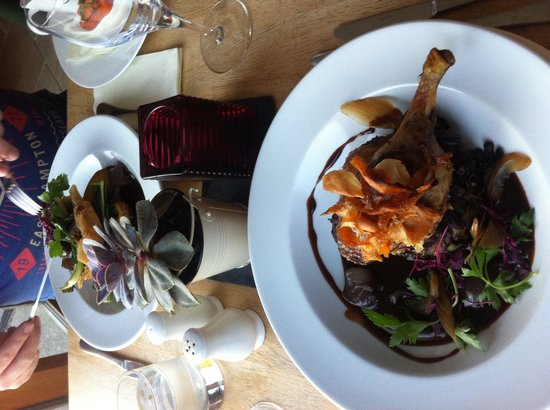 Offshore Bar and Bistro Cornwall: Duck & open pie