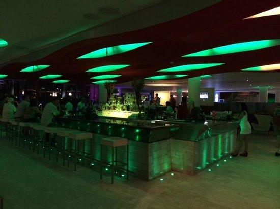 La Concha Renaissance San Juan Resort: Lobby Bar
