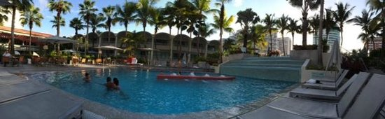 La Concha Renaissance San Juan Resort: Pool