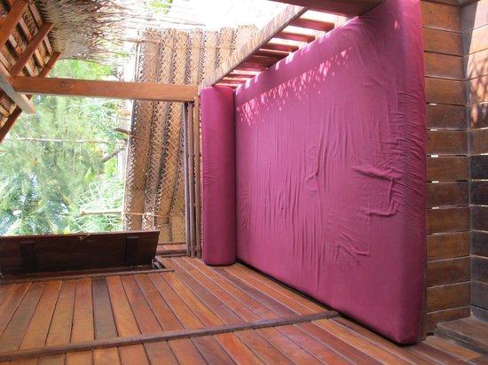Ganesh Garden Beach Cabanas: 1st row Cabana Balcony Bed :-)